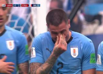 Giménez breaks down crying during France game