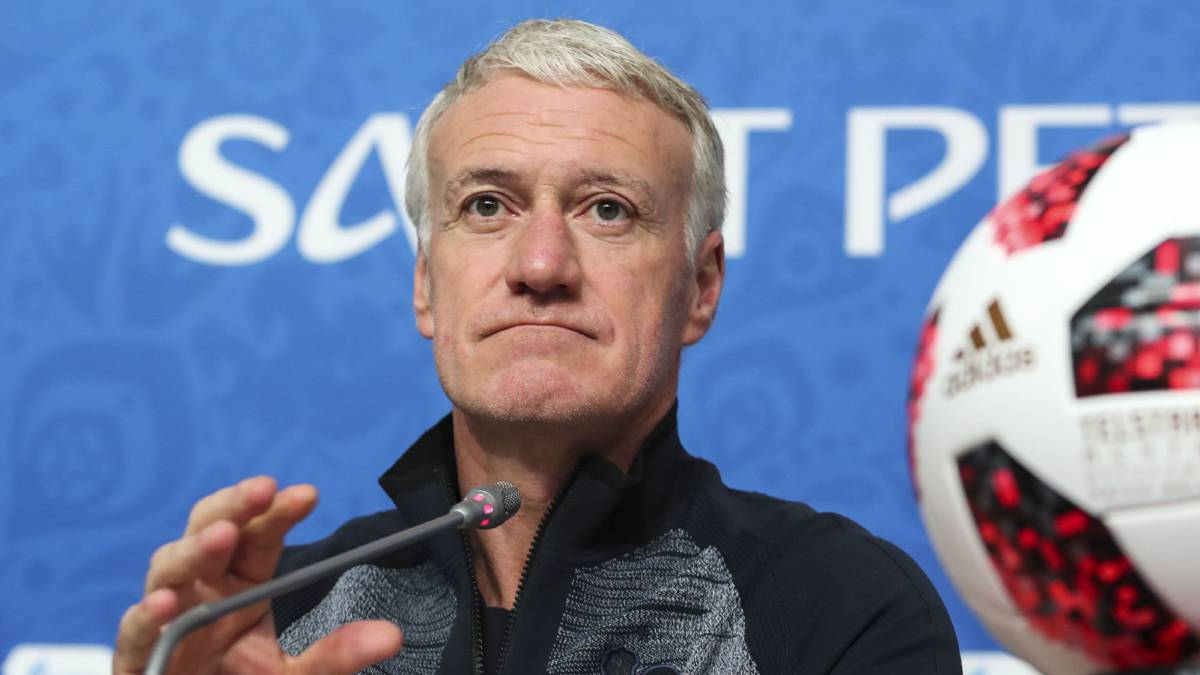 Deschamps en rueda de prensa.