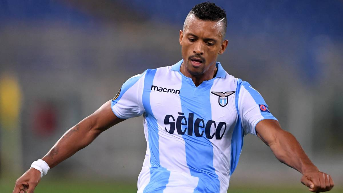 Valencia turn down Sporting Lisbon's offer for Nani