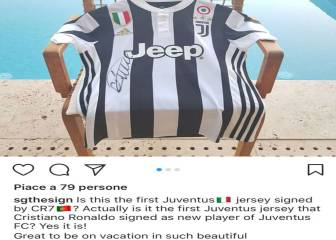 Cristiano: tourist pinches first signed Juve shirt from reporter