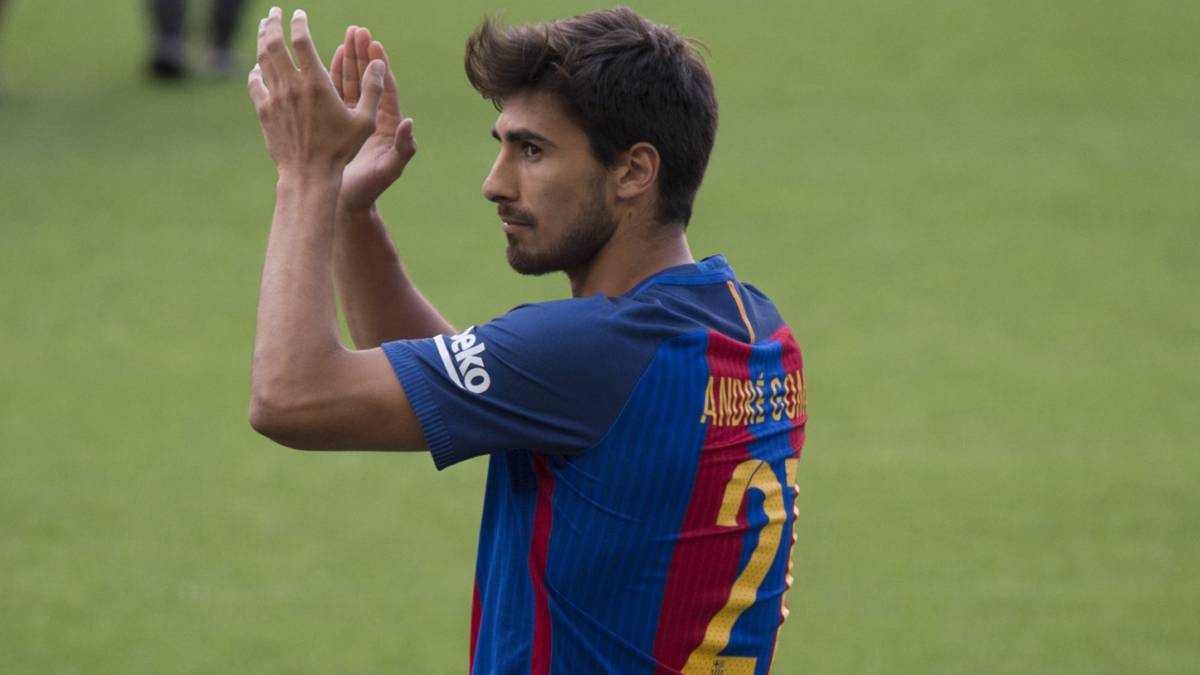 André Gomes: Arsenal boss Unai Emery keen on Barcelona misfit