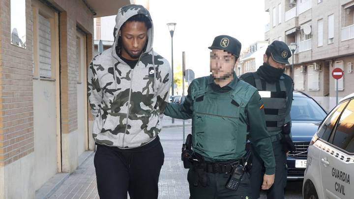 Semedo escoltado por la Guardia Civil.