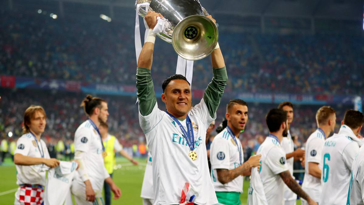 Keylor shows off his titles on Instagram as Courtois remains close