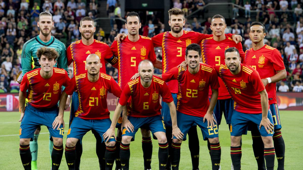 "Luis Enrique has ""70 names"" in his head for first Spain squad"