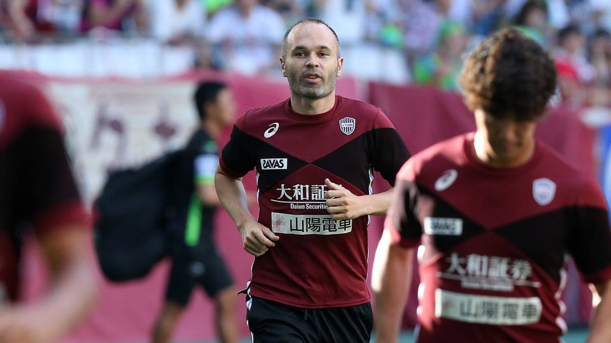 Iniesta ends disappointing Kobe debut on the losing side in Japan