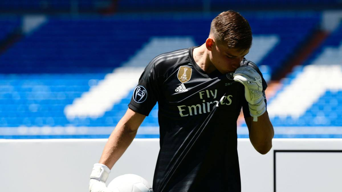 "Lunin unveiled by Real Madrid: ""I learned by watching Casillas"""