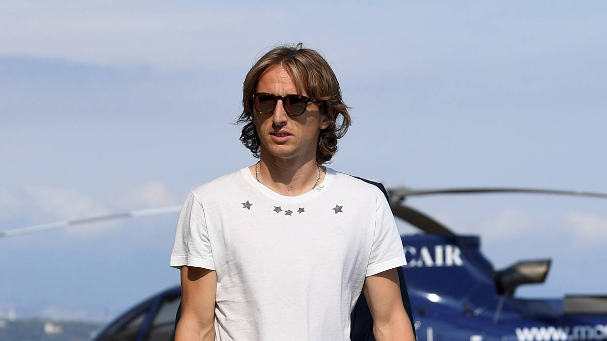 "Modric: Real Madrid won't sell ""for euro less than 750m"" - Pérez"