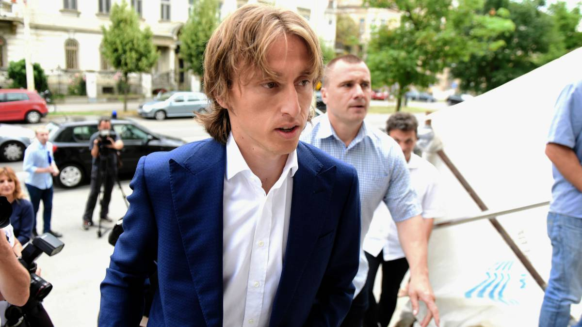Real Madrid taken aback by Luka Modric speculation