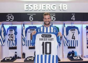 Van der Vaart joins promoted Danish side Esbjerg