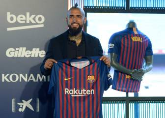 Vidal unveiled as Barça player