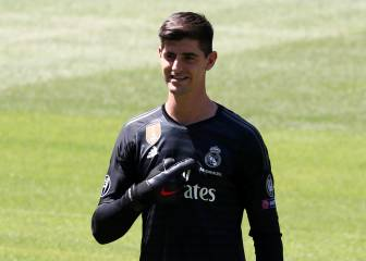 Thibaut Courtois unveiled at the Santiago Bernabéu