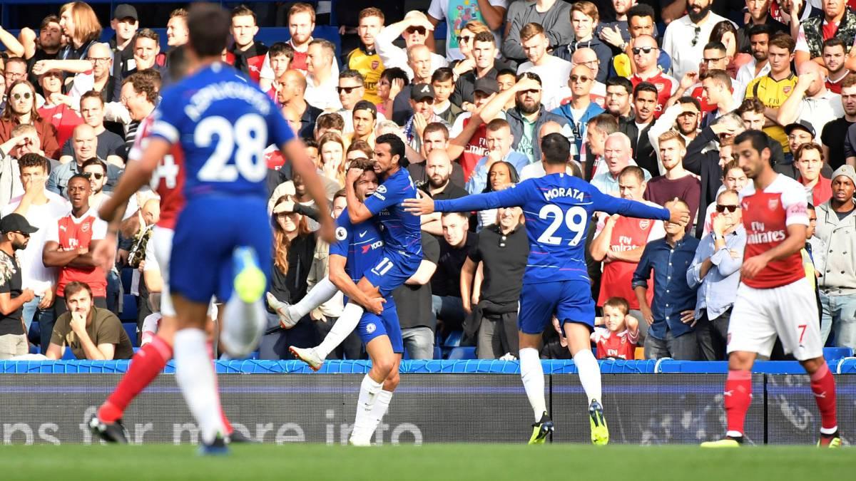 El Chelsea ganó al Arsenal con gol de Marcos Alonso en la recta final.