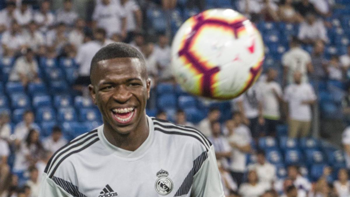 Nine clubs queuing up hoping to secure Vinicius on loan