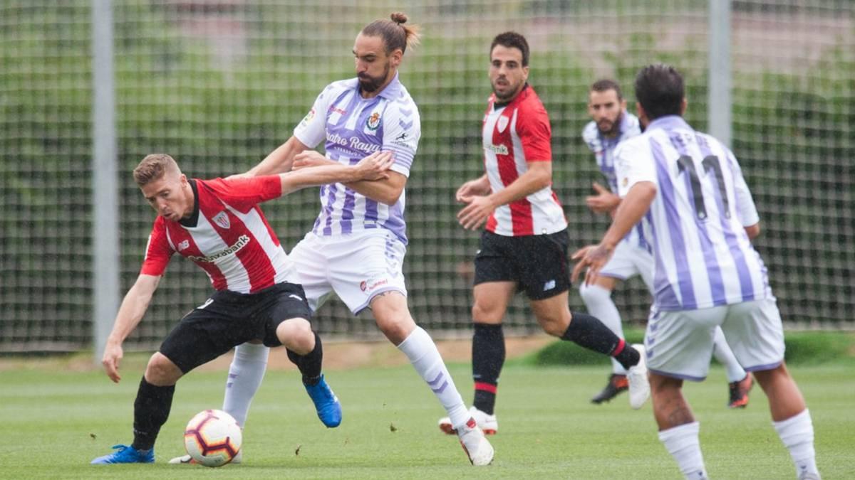 Remiro se calza los guantes y el Athletic remonta al Valladolid