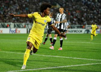 Willian marca, el Chelsea cumple