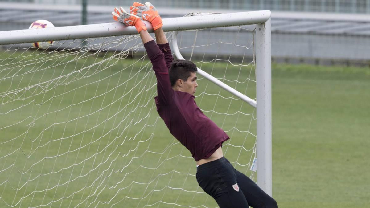 Oleaga acaba contrato y el Athletic pretende atarle