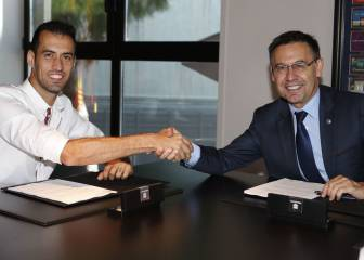 Sergio Busquets renews with Barcelona until 2023