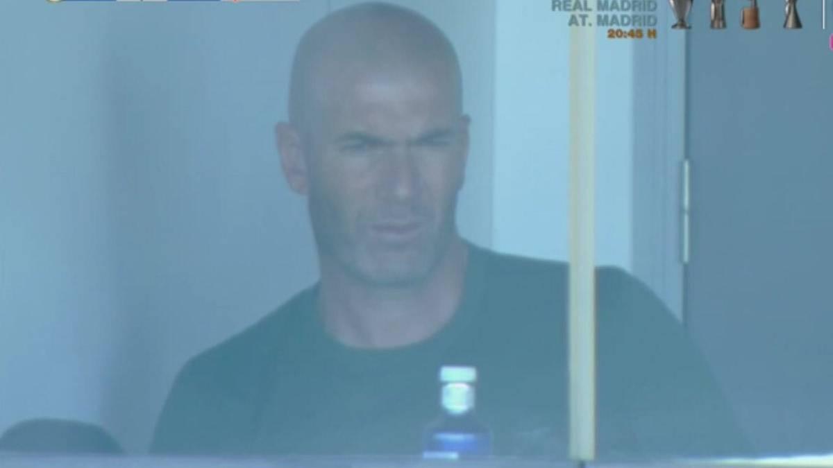 Zidane về Madrid thăm con trước khi đến Man Utd?