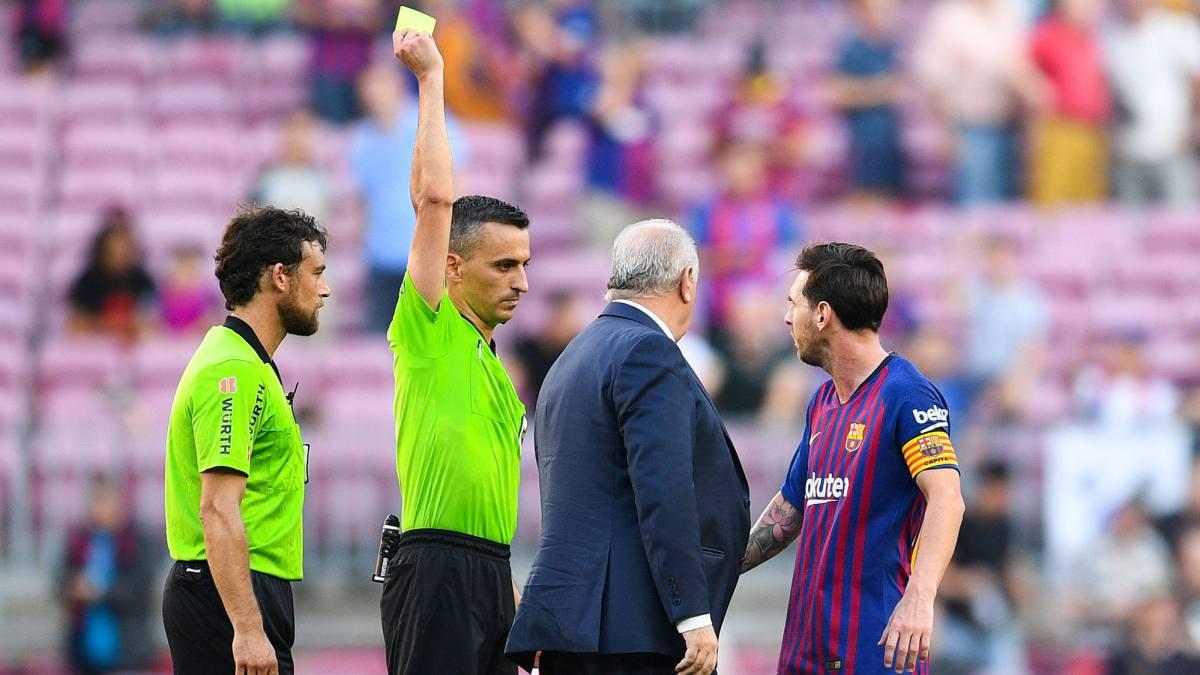 Messi ve la amarilla