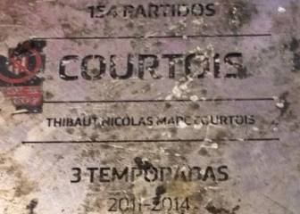 Atlético fans attack Courtois plaque outside the Wanda