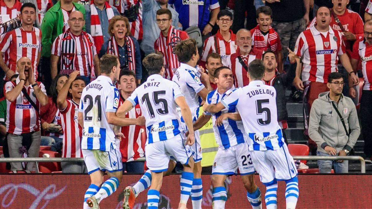 Real Sociedad celebrando el gol.