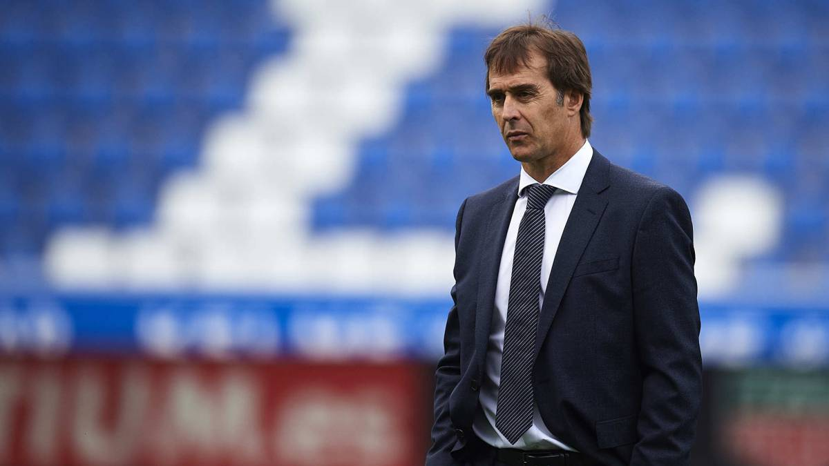 Lopetegui's Real Madrid job on the line in Clásico at Barcelona