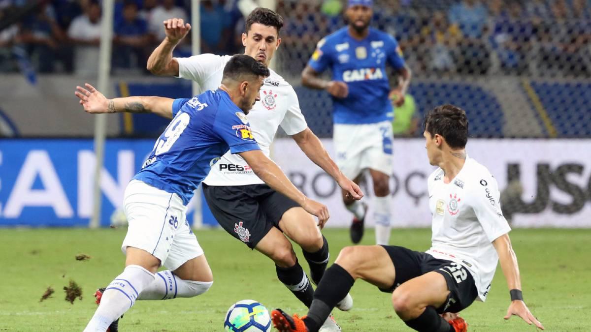 Sigue el Cruzeiro - Corinthians en directo online, partido de ida de la final de la Copa do Brasil 2018, desde el Mineirao. Hoy, 10 de octubre, en As.com.