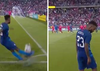 USA's Acosta serves up worst-corner-ever contender