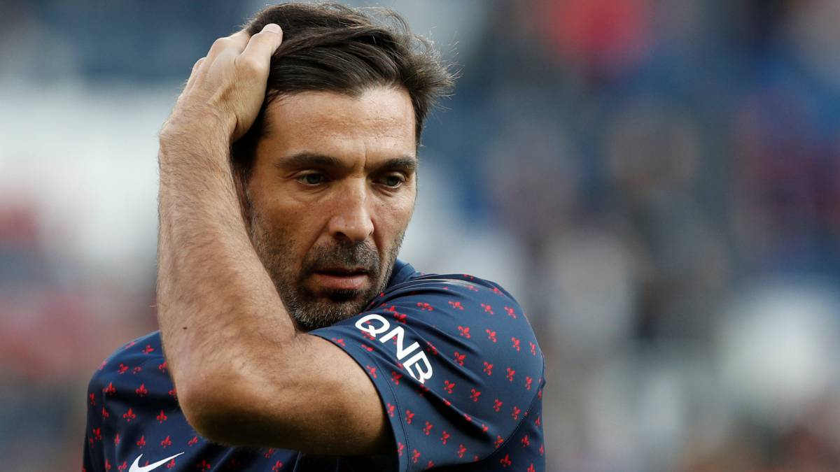El guardameta italiano del PSG, Gianluigi Buffon.