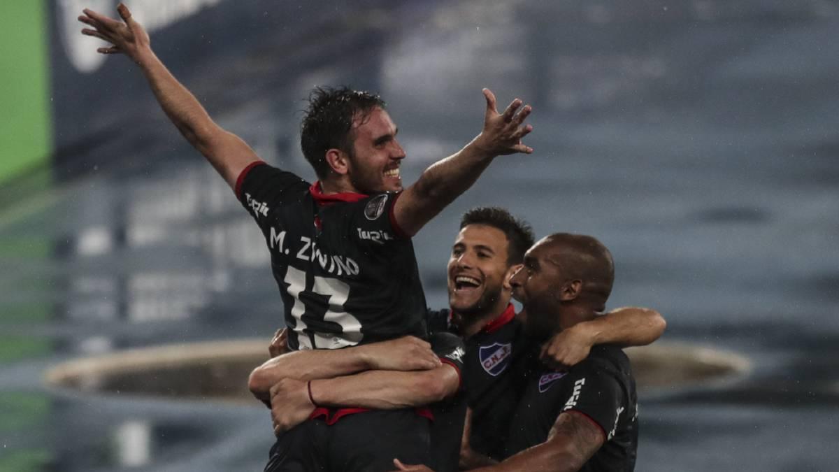 El equipo de Montevideo anotó en el tramo final del partido y se pone en ventaja en la eliminatoria, que podrá definir en casa ante un Fluminense que fue superior.