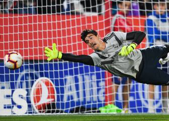 Courtois to face his bête noire in Camp Nou