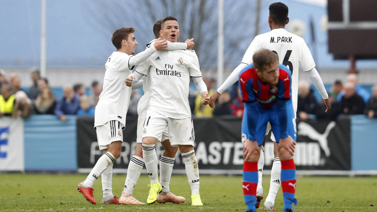 Rodrigo goal sees Real Madrid U-19 into Youth League knockouts