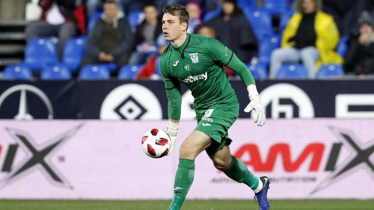Real Madrid could recover Lunin and loan him to another club