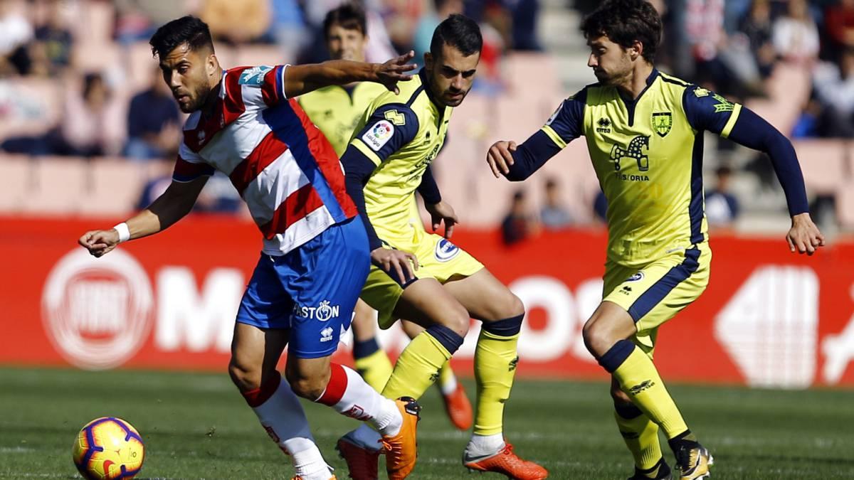 Granada y Alcorcón se ponen al mando de la categoria, con Málaga y Depor a un sólo punto.