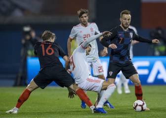 Barcelona await update on injured Rakitic