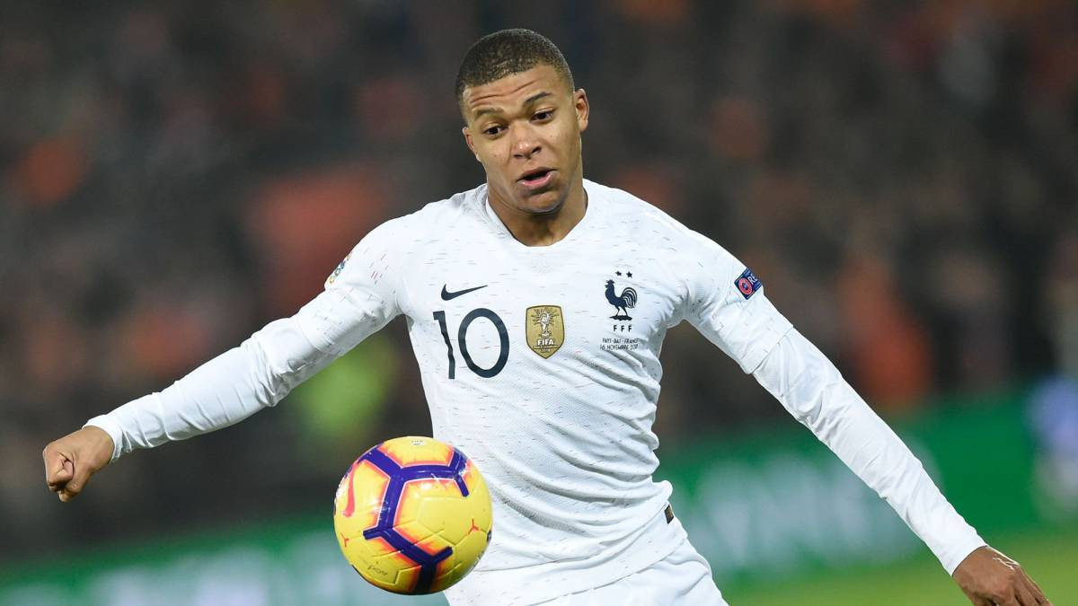 "Mbappé: Neymar is ""above all the rest"""