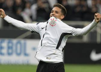 Real Madrid in talks to sign Corinthians winger Pedrinho