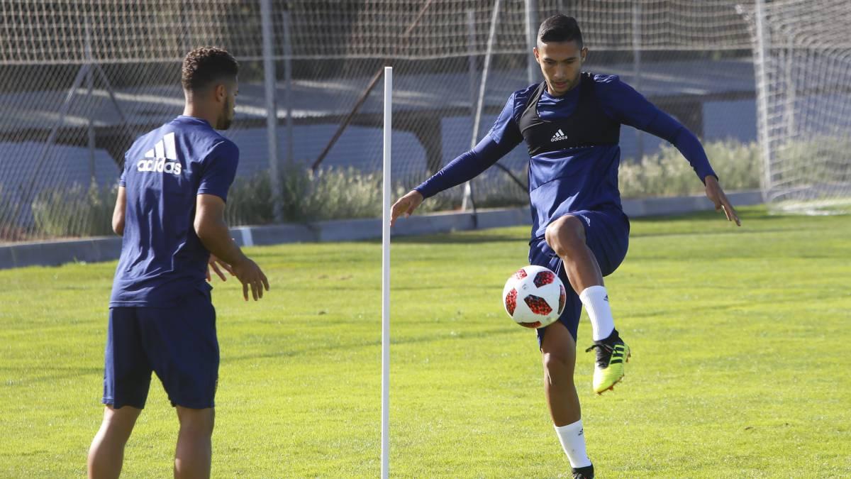 Real Zaragoza El club quiere dar salida a Buff, Medina y Raí y fichar un central - AS.com