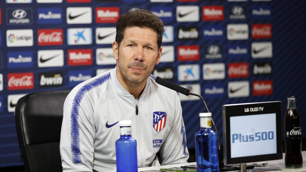 "Simeone on contract talks: ""Yes, we have raised the issue..."""