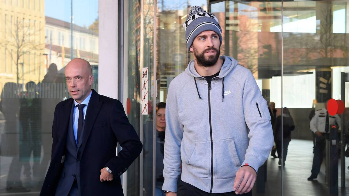 Piqué fined €48,000 for driving without a licence