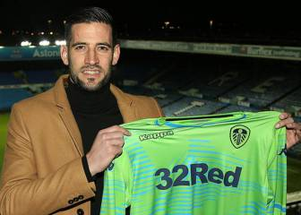 Official: Madrid keeper Casilla signs for Leeds United