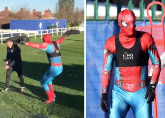 Vardy dresses up as Spiderman, tries to give Puel fright