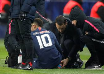 Alarm bells at PSG as ankle injury forces Neymar substitution