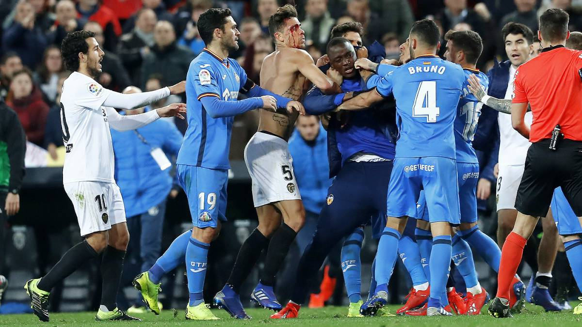 Atrocious scenes at the end of Valencia and Getafe - AS.com