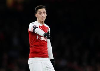 Özil refuses PSG loan overture after Neymar injury