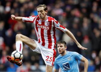 Peter Crouch, con 38 años, regresa a la Premier League