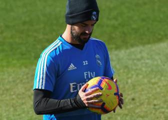 Isco pulls out of pre-derby training session with back pain