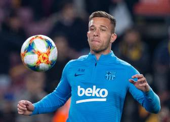 Arthur ruled out for a month