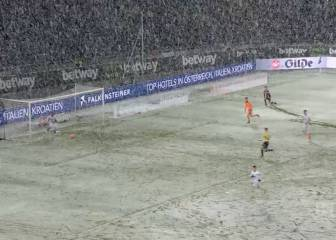 'Snow' joke for Leverkusen as goal bound ball gets snowed under