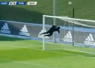 Luca Zidane auditions for the Real Madrid 1st team in front of his father